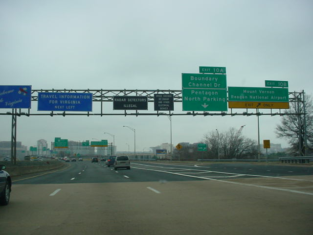 Interstate 395 South at Exit 10B - Mount Vernon/Reagan National Airport
