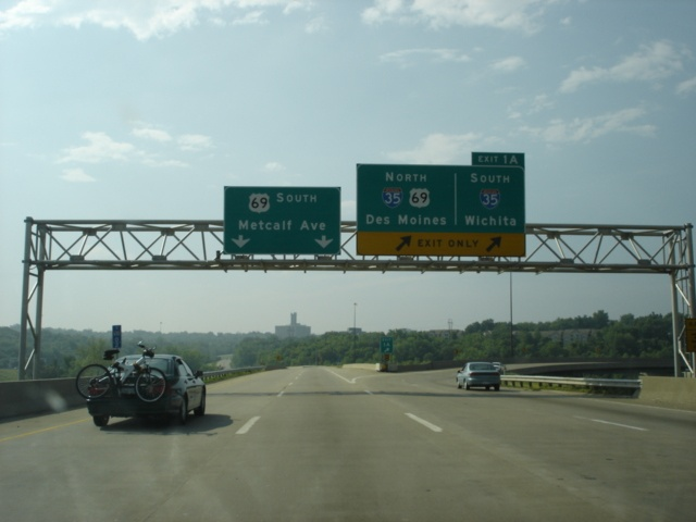 Interstate 635 South at Exit 1A - Interstate 35