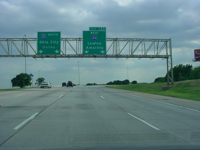 Interstate 35 South/Interstate 44 West at Exit 133 - Interstate 44 West