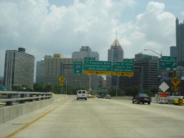 Interstate 279 North at Exit 6A - Interstate 376 East