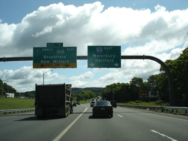 Interstate 84, U.S. 6, and U.S. 202 East and U.S. 7 North at Exit 7 - U.S. 7 North/U.S. 202 East