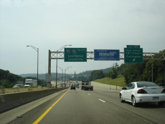 Okroads interstate 71 kentucky southbound interstate 71 and interstate 75 south at exit 191 pike street12th street covington the welcome to kentucky sign appears here photo taken 71105 publicscrutiny Choice Image