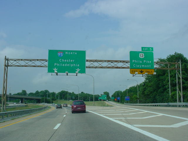 Interstate 495 North at Exit 5 - U.S. 13/Philadelphia Pike