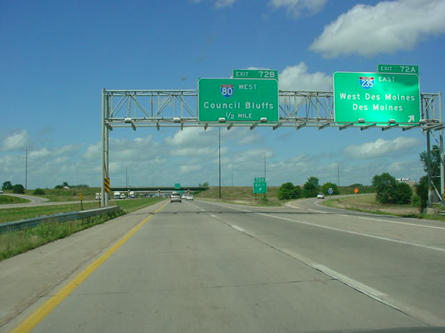 Interstate 35 North at Exit 72A - Interstate 235 East